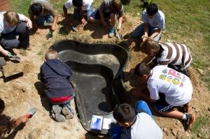 installing water garden